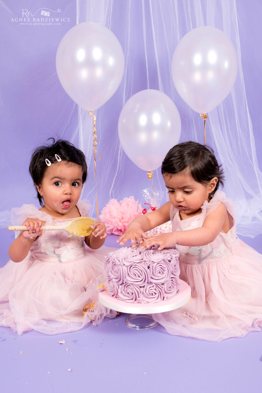 Aizah & Ailah Cake Smash